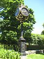Victoria Avenue Clock at Bellevue Avenue, Salve Regina - panoramio.jpg