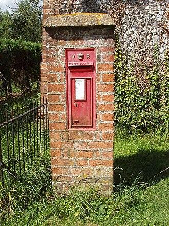 Owlswick - Victorian Pillar box in Owlswick.