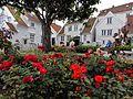 Viele Blumen schmücken im Sommer die Altstadt von Stavanger. 06.jpg