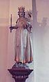 Vierge couronnée debout sur les nuages tenant un sceptre et portant l' Enfant.jpg
