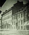 Vieux-Montréal, vers 1910. Le 281, rue Saint-Paul Est, depuis rue Gosford. (7193260014).jpg