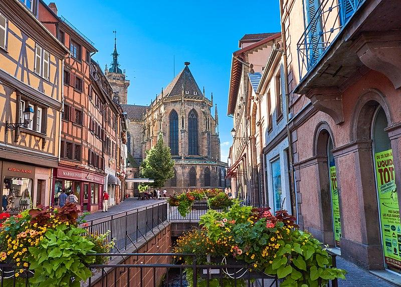 File:View of Église Saint-Martin (43833049001).jpg