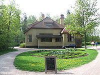 Villa Elfvik from the outside.jpg