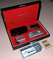 Vintage Minolta-16 MG Subminiature Camera Kit, Made In Japan, Circa 1960s (14774763586).jpg