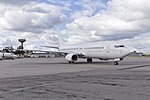 Virgin Australia (VH-VOR) Boeing 737-8FE(WL) at Wagga Wagga Airport (5).jpg