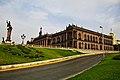 Vista lateral de Palacio de gobierno de nuevo león.jpg