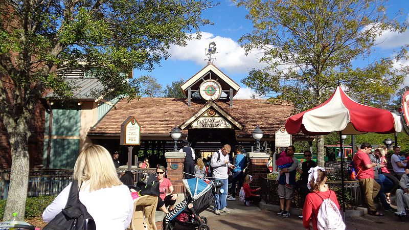 File:WDWRR - Fantasyland Station Entrance.jpg