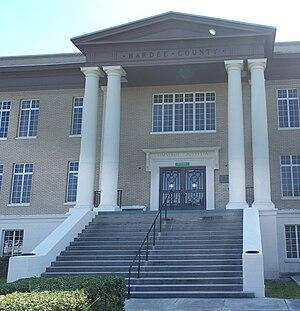 Hardee County Courthouse - Image: Wauchula crths vpano 01