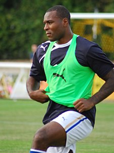 Wes Morgan Warming up vs Leamington Spa.jpg