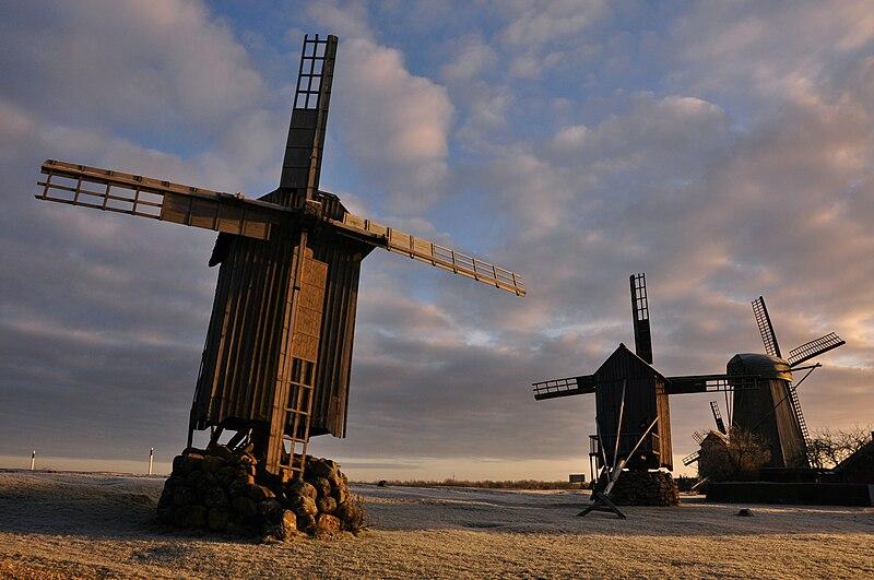 Angla tuulikud, Vukipeedia