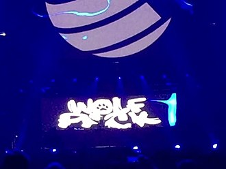 Wolfpack (DJs) - Image: Wolfpack @ Veltins Arena in Germany