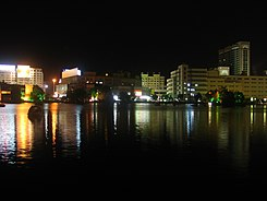 Wuhu Mirror Lake night.jpg