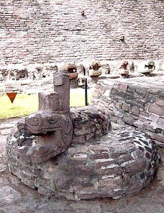 Tenayuca - Image: Xiuhcoatl tenayuca
