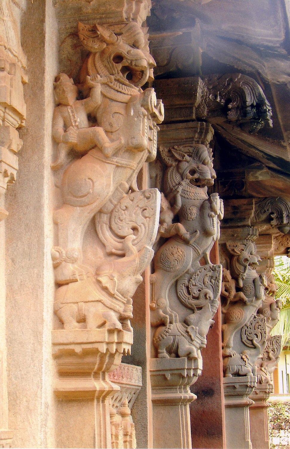 Yali pillars1 in Aghoreshwara Temple in Ikkeri