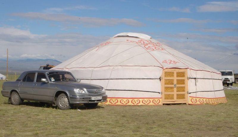 File:Yurt in Tos Bulak.jpg