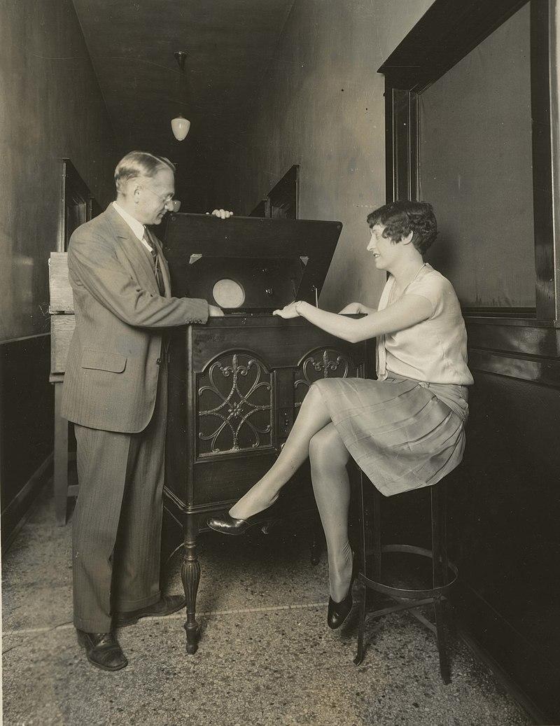 Zworykin kinescope 1929.jpg
