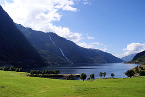 Skånevik - View of the Åkrafjorden and the Langfossen waterfall
