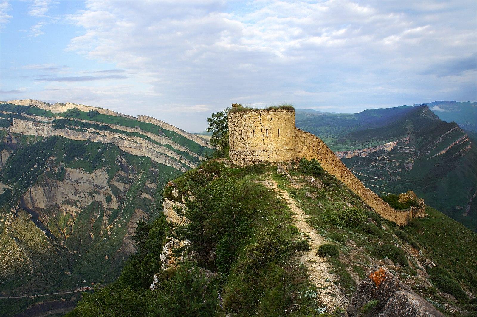 Крепость на горе Гуниб