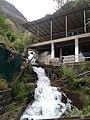 Водопад в районе Айни.jpg