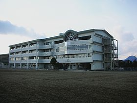 日吉台中学校.JPG