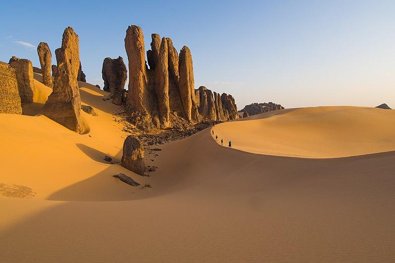 File:-تيناكاشاكير- الحضيرة الوطنية لطاسيلي الهقار - تامنراست - الجزائر.jpg