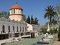 033 Cementiri de Valls, capelles, tombes i cúpula de l'entrada.jpg