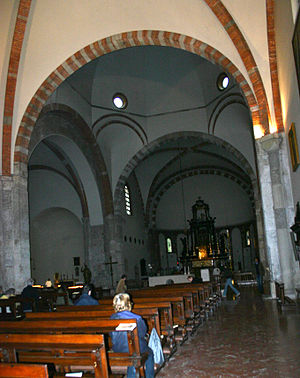 San Nazaro in Brolo - View of the interior of the church