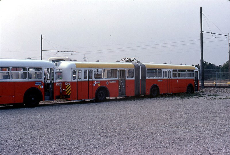 file 060l13220979 strassenbahn tag der offenen t r hw simmering schrottplatz bus typ u10. Black Bedroom Furniture Sets. Home Design Ideas