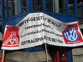 1. Mai 2013 in Hannover. Gute Arbeit. Sichere Rente. Soziales Europa. Umzug vom Freizeitheim Linden zum Klagesmarkt. Menschen und Aktivitäten (010).jpg