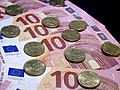 10 euro banknotes and 10 euro cent coins 20180207.jpg