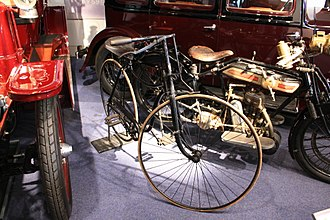 John Kemp Starley - 1888 Rover safety bicycle in the Coventry Transport Museum