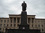 194 Gori Town Hall Statue of Joseph Stalin and Dave. The statue was taken down on 25 June 2010. (1541498354).jpg