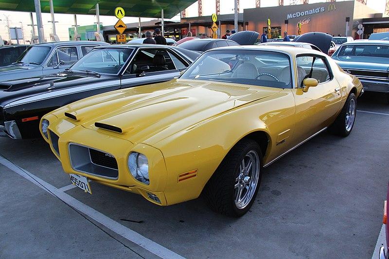 File:1971 Pontiac Firebird Formula (21729076603).jpg