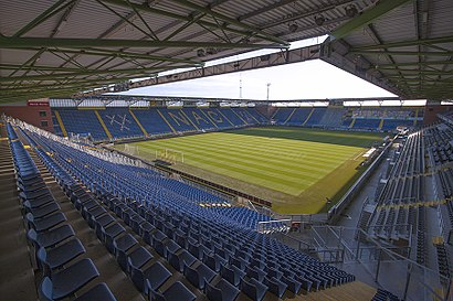 How to get to Rat Verlegh Stadion with public transit - About the place