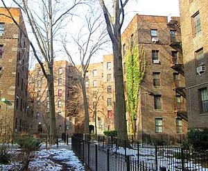 Dunbar Apartments - courtyard (2014)