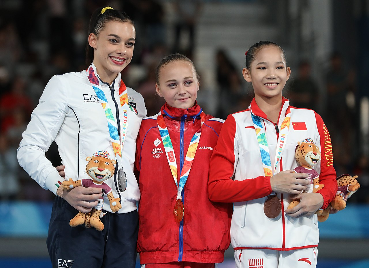 File:2018-10-13 Uneven bars (Apparatus finals Girls' Artistic