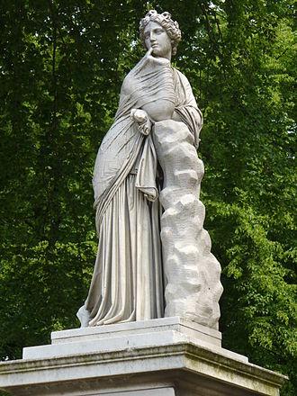 Polyhymnia - Image: 22.Brunnenwand mit Polyhymnia(1857) Friedrich Ochs Sanssouci Mittlerer Lustgarten Steffen Heilfort
