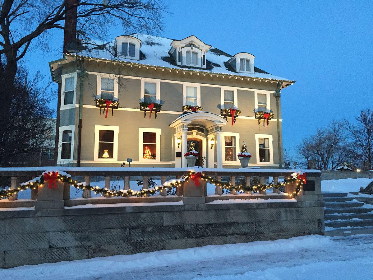 Eugene j carpenter house wikipedia for Carpenter style homes