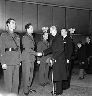 Jens-Anton Poulsson - Jens-Anton Poulsson shaking hands with King Haakon VII at the release of the 1948 film Operation Swallow: The Battle for Heavy Water