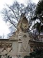 345 Parc de la Ciutadella, decoració escultòrica de la glorieta d'Aribau.JPG