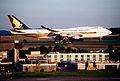 362ab - Singapore Airlines Boeing 747-412, 9V-SPL@ZRH,10.07.2005 - Flickr - Aero Icarus.jpg