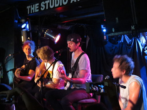 5 Seconds of Summer First USA Acoustic IMG 3735 (14849515174)
