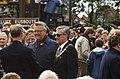 8 oktober ontzetviering met burgemeester Cees Roozemond (tussen 1977-1988), achtergrond Koninklijke - RAA-DMGA-02049 - RAA Elsinga.jpg
