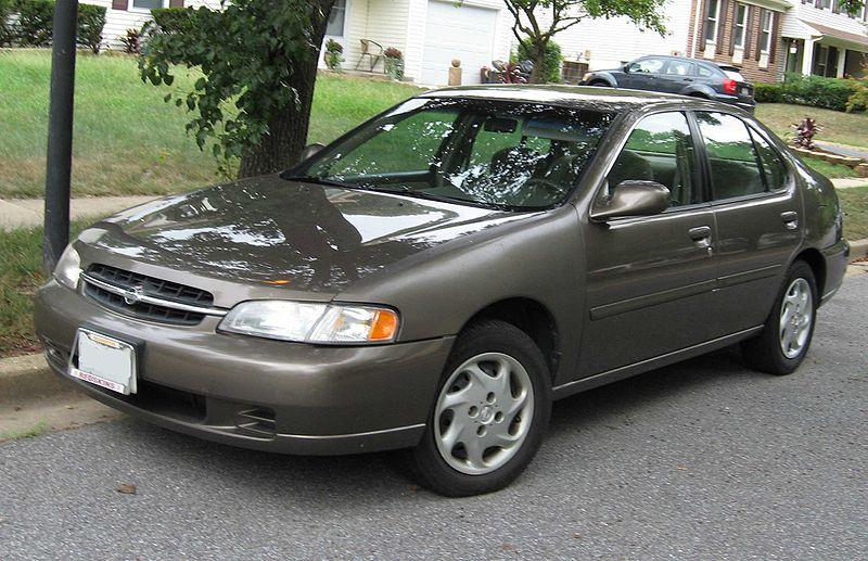 File:98-99 Nissan Altima.jpg