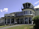 Aéroport de Nevers-Fourchambault - Façade.jpg