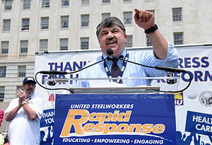 English: AFL-CIO President Richard Trumka and ...