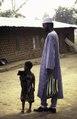 ASC Leiden - van Achterberg Collection - 1 - 081 - Un membre de Mboscuda, une organisation autonome des Mbororo, avec sa fille - Bamenda, Cameroun - 6-12 février 1997.tiff