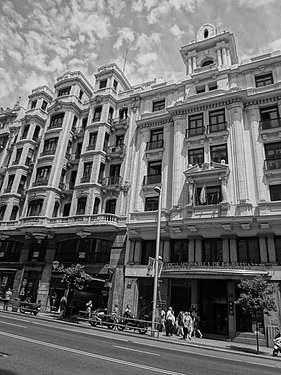 A Black and white photograph of a buildings at Gran Via, Madrid Spain 019.JPG