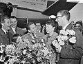 Aankomst Teddy Scholten, winnares Eurovisie Songfestival 1959, uit Cannes op Sc…, Bestanddeelnr 910-2102.jpg