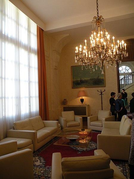 File abbaye de penthemont salon 3 jpg wikimedia commons for Abbaye de st croix salon